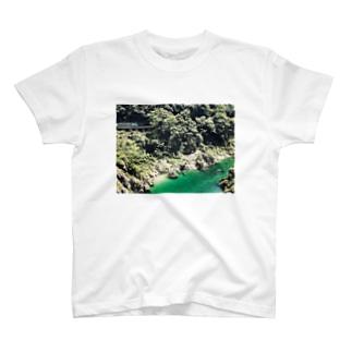 秘境と列車 T-shirts