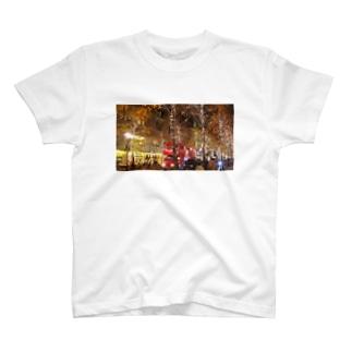 2階建てバス T-shirts