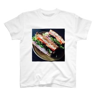 作るのに1年掛かるサンドイッチ T-shirts