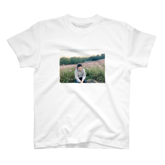 牛女しらすとお花畑 T-shirts