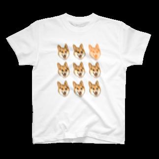 mofugeの荒ぶるコーギー もりもり T-shirts