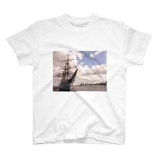 海王丸 T-shirts