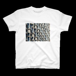 Haruki HorimotoのZigzag-windows T-shirts