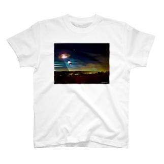 No.20 バットにゃんがUFOに~!! T-shirts