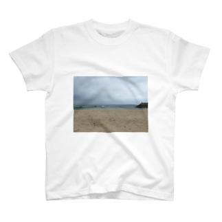 沖縄の浜辺 T-shirts