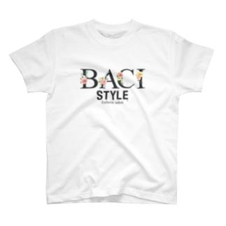BACI_フラワータイポ T-shirts