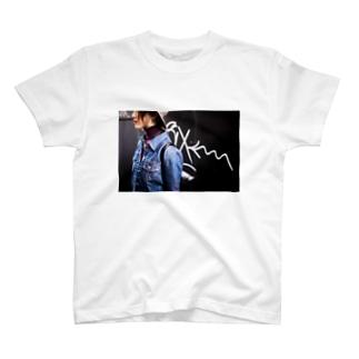 路地裏 T-shirts