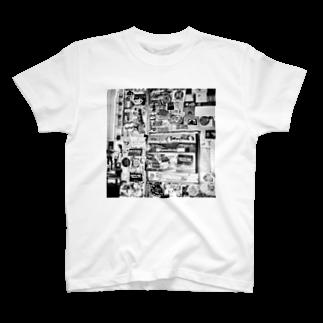 kio photo worksのShibuya wall photo T-shirts