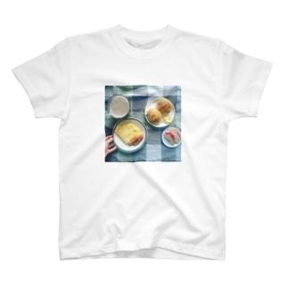 うちの食卓 ロールパン T-shirts