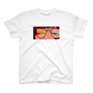 眼鏡の奥の景色 T-shirts