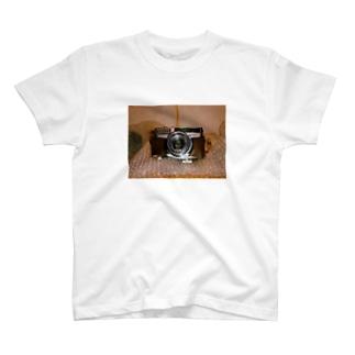 カメラだよーん T-shirts