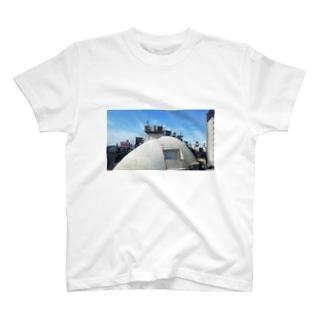 ラブホテルとライブハウスと換気扇 T-shirts