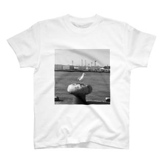 横浜港 T-shirts
