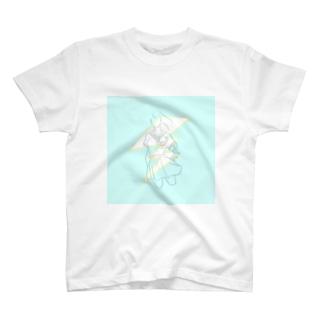 Juneが来るぞー! T-shirts