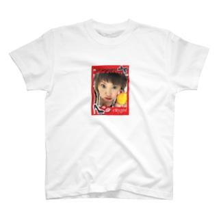 謎の新人タレント T-shirts
