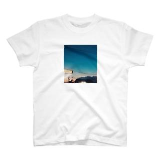 夏の夜が続くといいのに T-shirts