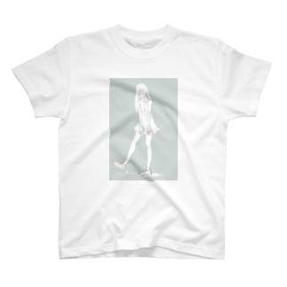 girl_スニーカー_濃色 T-shirts