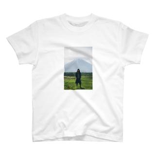 Kanna Oyama T-shirts