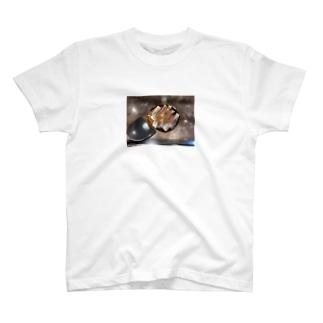ひとりで行った昼飯 T-shirts