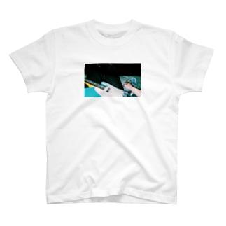ギターと煙草 T-shirts