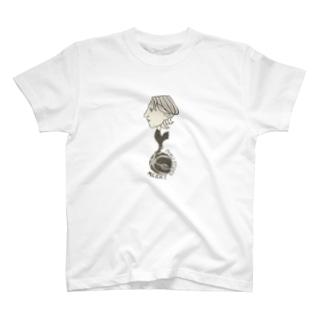 戻ルッチ T-shirts