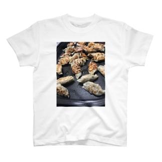 餃子サコッシュ gyoza ぎょうざ ギョウザ 🥟 T-shirts