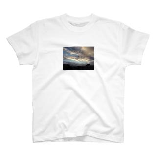 天気 T-shirts