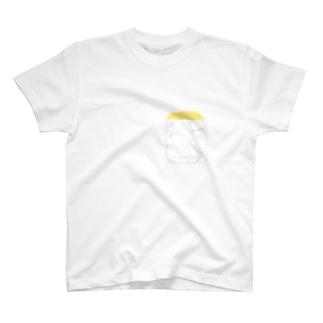胸ポケットにひよこ T-shirts