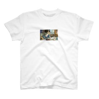 クリーニングで働く猫五郎さん T-shirts