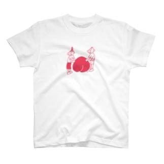 すごたのの桃に寄り添うじいとばあ T-shirts