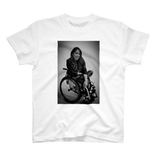 白黒で笑ってるよシリーズ T-shirts