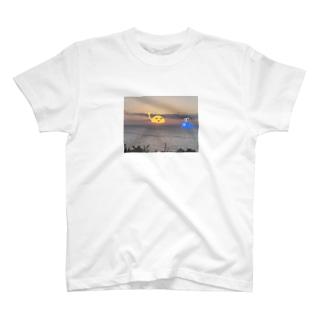 日没 T-shirts