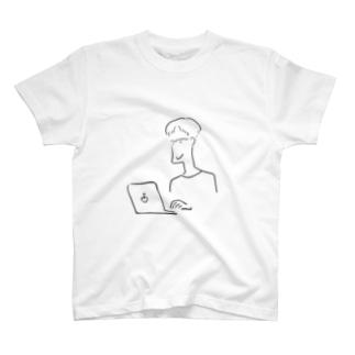 ベテランディレクターには余裕がある T-shirts