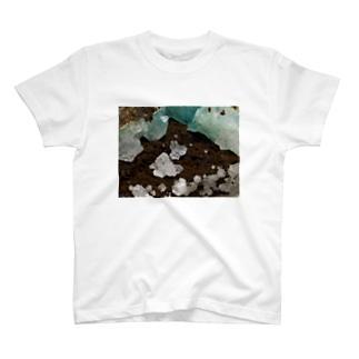 灰十字沸石(3軸双晶) T-shirts