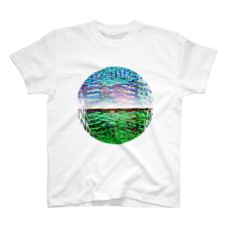 地球2 T-shirts