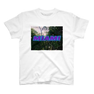 マイアミ微妙Tシャツ T-shirts