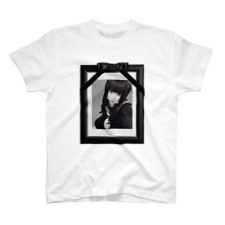 遺影 T-shirts