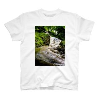タイの滝 T-Shirt