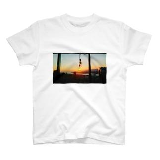 夕日電球 T-shirts