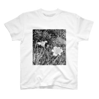 山百合 T-shirts