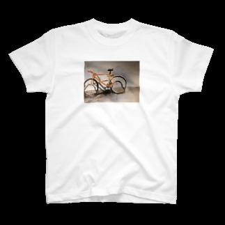 hayatexの盗まれた自転車の遺影Tシャツ T-shirts