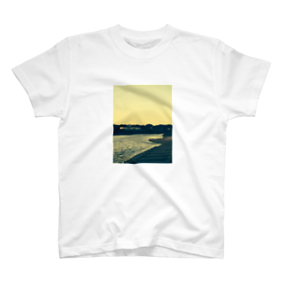 Routineの河 T-shirts