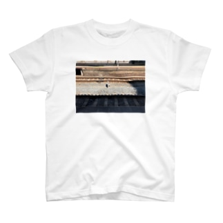 駅 T-shirts