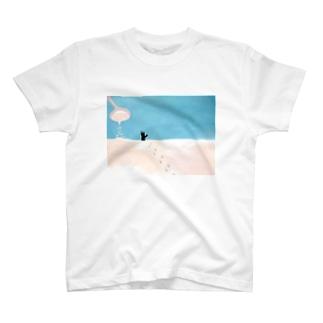 砂糖の砂漠を歩くニコ T-shirts