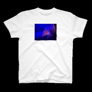 hachi08のクラゲシリーズ1 T-shirts