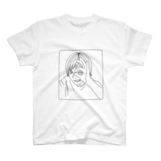 がつののぞきみ(黒) T-shirts