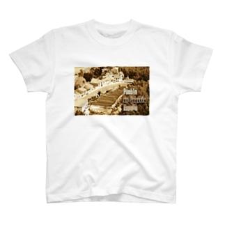 スペイン:セゴビア郊外の村 Spain: Village in Segovia T-shirts
