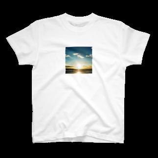 Shogo Hirokiの日の出 T-shirts