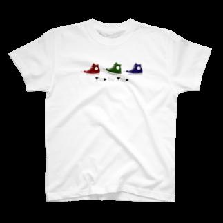 petit-0813の3色のスニーカー。 T-shirts