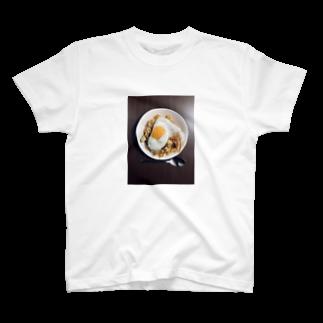 ぼたの目玉焼きオムライス T-shirts